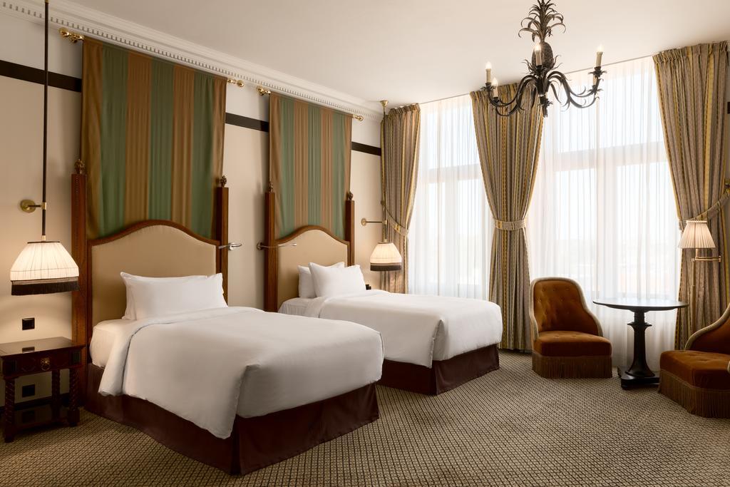 Hotel Des Indes (1)